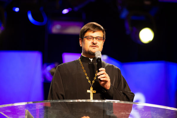 Государственные и религиозные деятели поздравили Начальствующего епископа РОСХВЕ с избранием